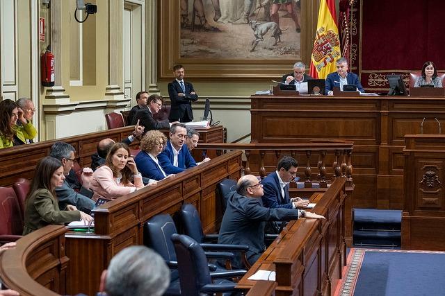 CC-PNC se une a la decisión del resto de grupos de trasladar a la próxima Legislatura la regulación del alquiler vacacional