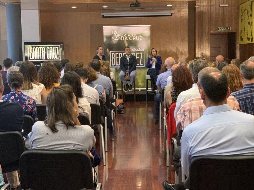 """Rosa Dávila: """"El superávit de los canarios también lo vamos a destinar a Educación para aumentar al número de profesores"""""""